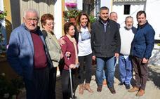 Susana Díaz respalda en Almáchar al sector de la uva pasa moscatel y pide a Juanma Moreno que mantenga las ayudas