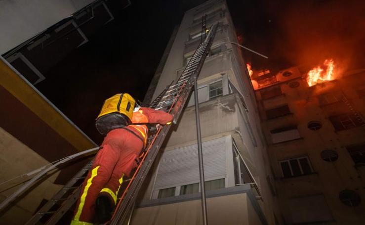Las imágenes del incendio que se ha cobrado siete muertos en París