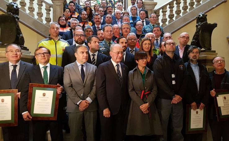 El Ayuntamiento de Málaga distingue a los profesionales y colaboradores del dispositivo del rescate de Julen