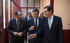 Rivera tranquiliza a la patronal andaluza: «Estamos aquí para poner pocas trabas»