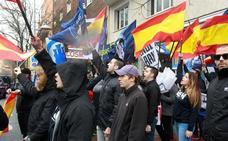 Hogar Social y Falange se suman al acto de PP, Ciudadanos y Vox contra Sánchez en Madrid