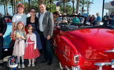 El paseo marítimo de Torremolinos acoge la primera carrera de coches clásicos del Rockin Race