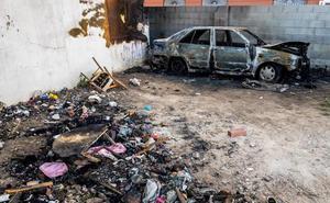 Detenida la pareja buscada por intentar matar a un indigente al incendiar el coche donde dormía
