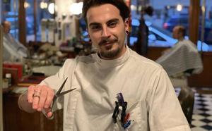 Monty, el barbero malagueño que triunfa en Youtube
