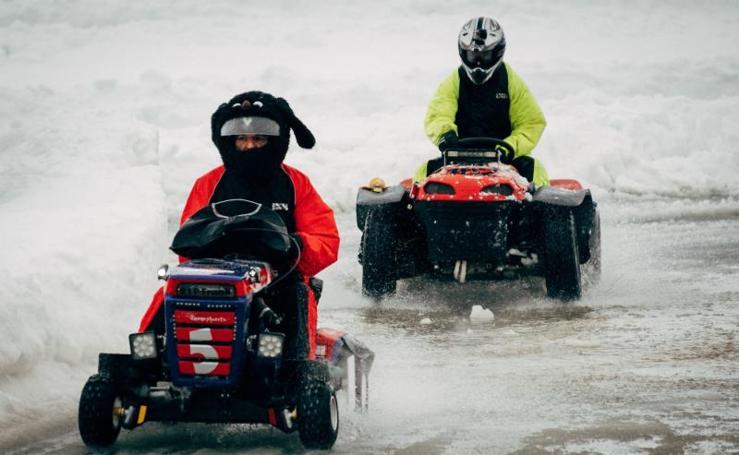 Las imágenes de la carrera de cortadoras de césped en Finlandia