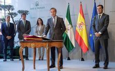 Juanma Moreno, obligado a cambiar al consejero de Hacienda por motivos de salud