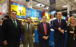 Los productos Sabor a Málaga se promocionan en los diez supermercados Carrefour de la provincia