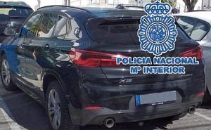 Recuperan en Fuengirola un vehículo de alta gama sustraído en Suecia y detienen a su conductor