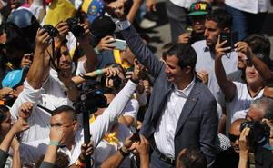 Guaidó recluta a miles de voluntarios para el reparto de la ayuda humanitaria
