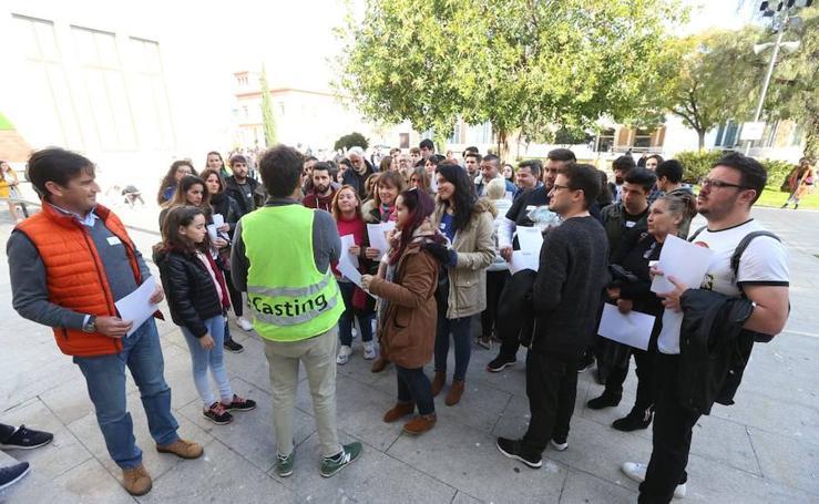Largas colas para el casting de extras convocado por Netflix en Málaga para 'Warrior Nun'