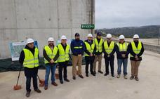 Acosol ultima el nuevo depósito de agua de Manilva que garantizará el suministro