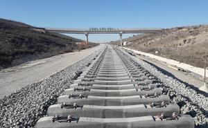 Adif prevé terminar en marzo la línea entre Málaga y Sevilla por la plataforma del AVE