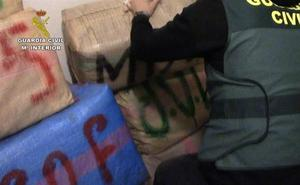 66 detenidos y 7.000 kilos de hachís intervenidos en dos operaciones en Huelva, Cádiz, Sevilla y Málaga