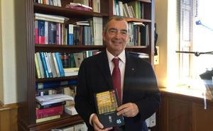 El secretario general del Ayuntamiento de Málaga, galardonado con la prestigiosa Cruz San Raimundo de Peñafort
