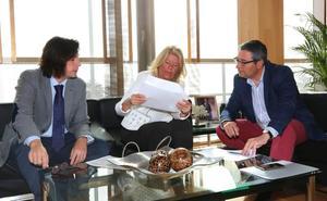 El Ayuntamiento de Marbella entrega a la Diputación el proyecto para estirar la Senda hacia el este