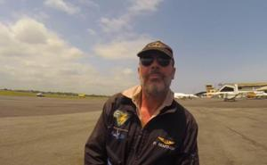 Buscan al piloto de un autogiro que cayó al pantano de Iznájar tras explotar la aeronave