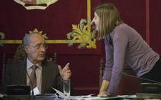 El alcalde tira del último cartucho: le pide a Málaga Ahora negociar las cuentas