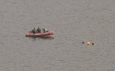 Reanudan las labores de búsqueda del piloto de un autogiro que cayó al pantano de Iznájar