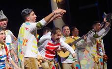 Pepe León reaparece en una última noche de comparsas en las semifinales del Carnaval