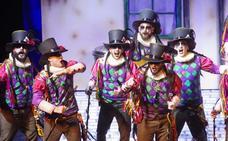 El Carnaval de Málaga libra esta noche la gran batalla de coplas