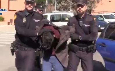Prisión sin fianza para el acusado de descuartizar y comerse a su madre en Madrid