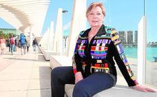 Celia Villalobos: «Hay bastantes compañeros que también tendrían que irse a su casa»