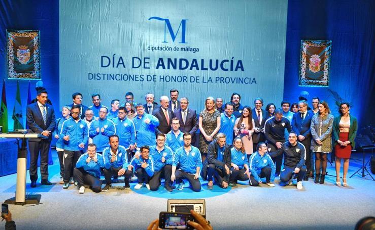 La Diputación de Málaga entrega sus premios por el Día de Andalucía a Onda Cero, Peneque el Valiente, la ingeniera Raquel Serrano y el Málaga Genuine