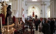 Los malagueños vuelven a depositar tres monedas a Jesús de Medinaceli