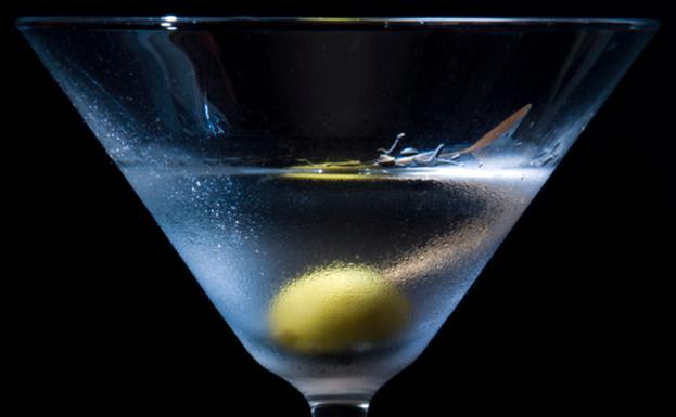 Flexible portugués En marcha  El bar (y el dry martini) según Buñuel   Diario Sur