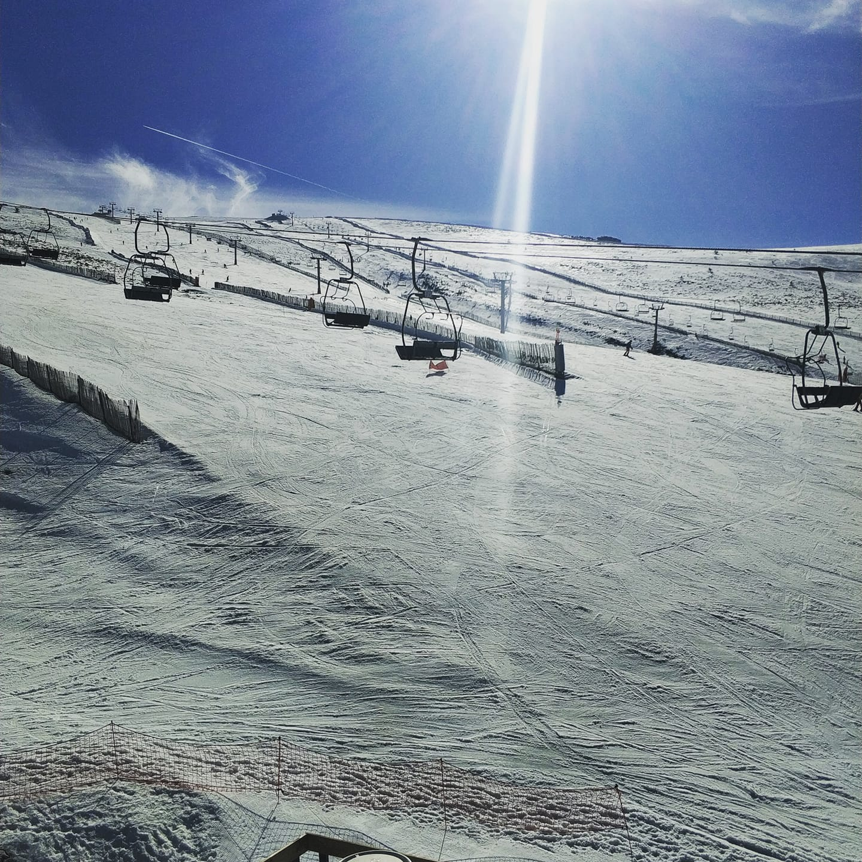Esquiar en fin de semana en Valdesquí tiene premio