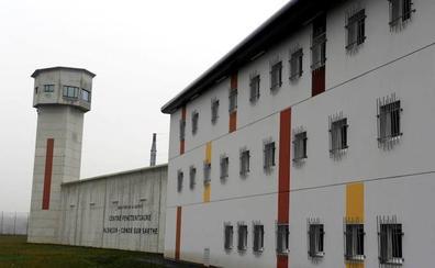 Un preso radicalizado apuñala a dos funcionarios de prisiones en Francia
