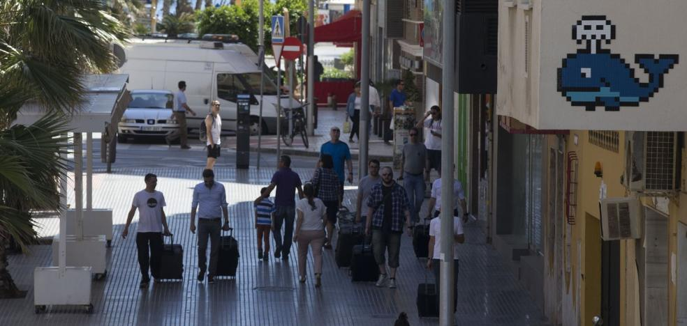 Invader tampoco acude a la tercera citación judicial por sus mosaicos en Málaga