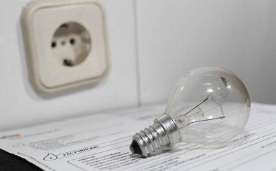 Competencia alerta de las trampas de las eléctricas para manipular contratos