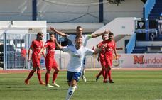 Juanma lidera la victoria de un Marbella muy fiable