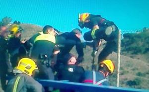 Evitan que un hombre salte desde el puente del Cerrado de Calderón