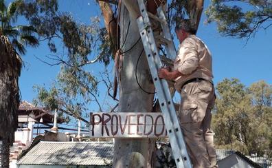 La Junta prohíbe el aparcamiento en los Baños del Carmen