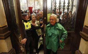 El pleno del Ayuntamiento celebra el monográfico sobre el caso 'Villas del Arenal'