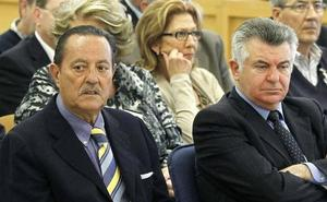 Julián Muñoz:«Llevo 20 años comiéndome marrones metidos con calzador»