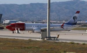 Un Boeing 737 Max8 de Norwegian, parado en el aeropuerto de Málaga