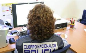 Desarticulan una banda criminal especializada en estafas por internet asentada en San Fernando
