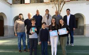 La delegada de Educación de Málaga entrega los premios del torneo de Debate Educativo