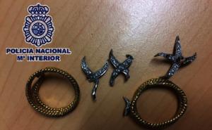 Detenido un albañil por robar un anillo de 1.500 euros en una casa en la que trabajaba en Málaga capital