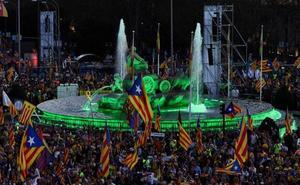 El independentismo presiona al Supremo en una multitudinaria marcha por Madrid