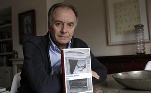 Antonio Soler gana el Andalucía de la Crítica por su novela 'Sur'