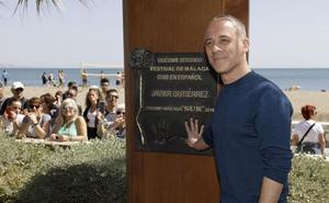 Javier Gutiérrez ya tiene su monolito en el paseo marítimo de la fama