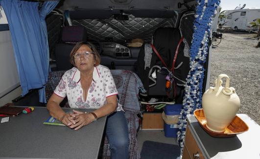 Bernarda invirtió sus ahorros en una autocaravana. /Ñito Salas