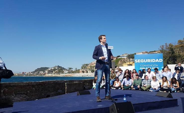 Pablo Casado arropa en Málaga a Francisco de la Torre en un multitudinario acto