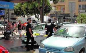 El alcalde de Estepona propone subir el sueldo a la plantilla de la Policía Local entre 50 y 400 euros