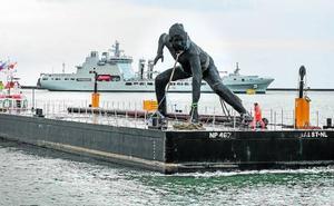 Desembarca en Plymouth la escultura más grande del Reino Unido