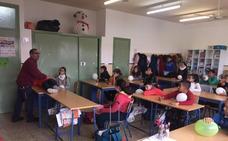 Escolares de Mollina aprenden a actuar en caso de emergencias